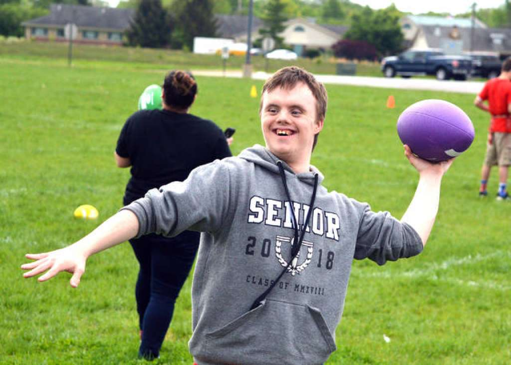 EHS Hosts Unified Sports Day for Special Olympics Illinois